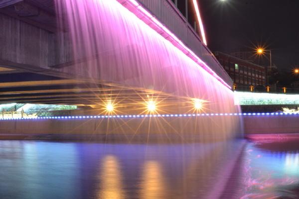 彩虹桥夜景图2