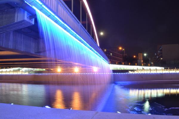 彩虹桥夜景图3