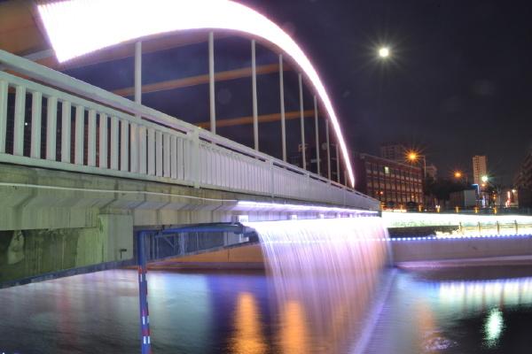 彩虹桥夜景图5