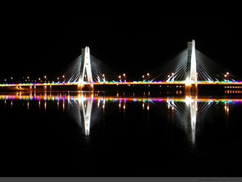 朝阳市珠江大桥亮化工程夜间效果