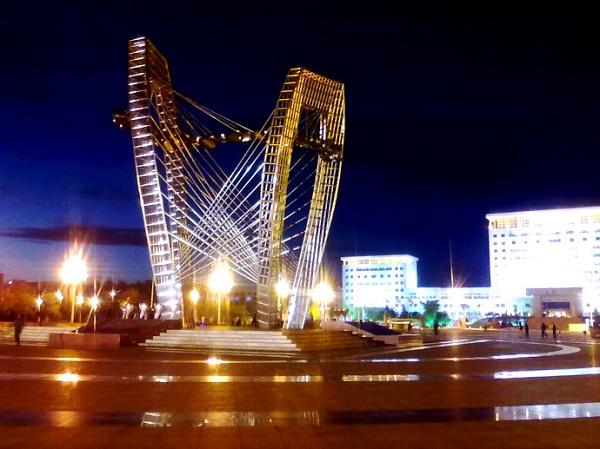 锦州市政府广场夜景效果