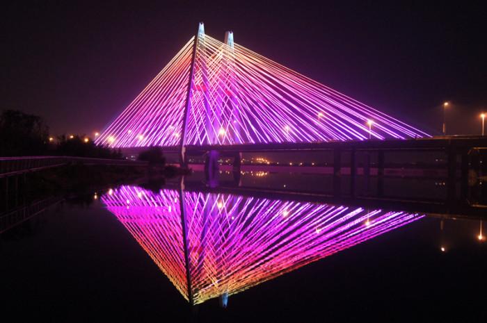 青岛丹山大桥亮化工程夜景图1